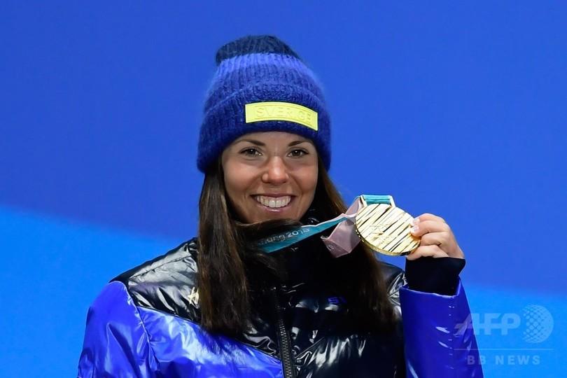 カッラが大会第1号の金メダル、クロスカントリースキー女子スキーアスロン