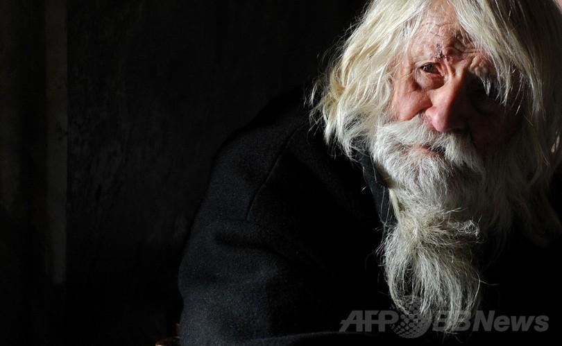 100歳の「生ける聖人」物乞いの全額を寄付 ブルガリア