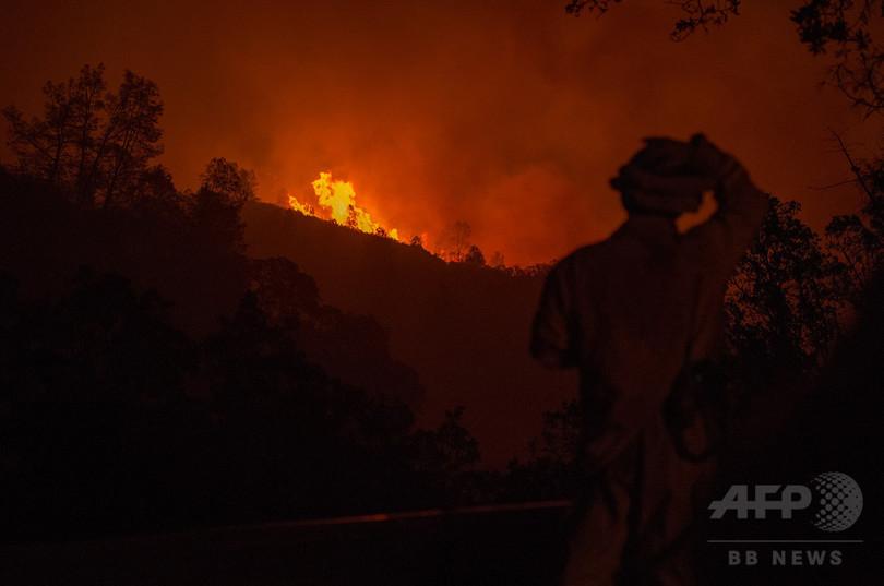 山火事「自作自演」の元消防士に禁錮5年、米カリフォルニア州