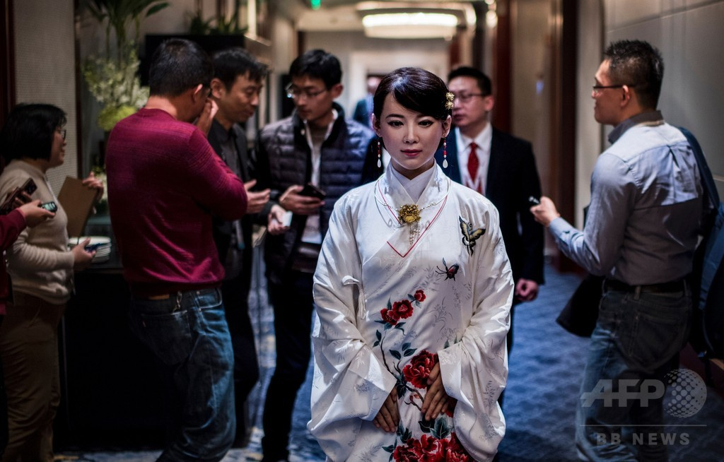 中国の未来を救う? ヒューマノイド「佳佳」に寄せられる期待