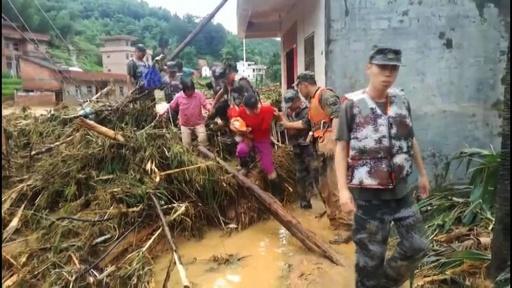 動画:中国南部で大雨、各地で洪水や土砂崩れ