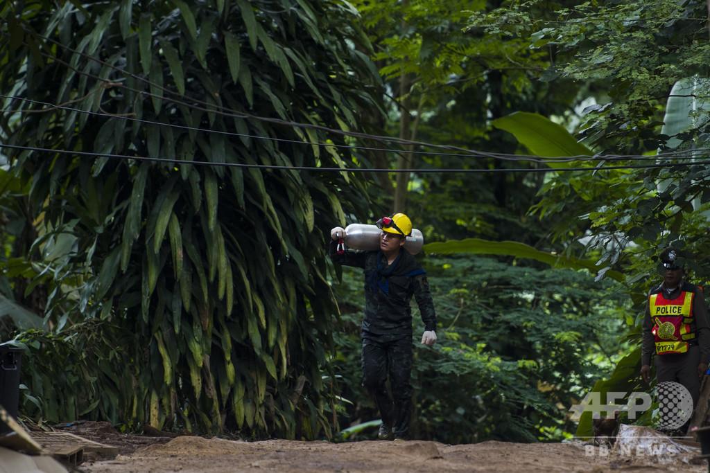 不明少年の捜索中に救助ダイバー6人水死、マレーシア