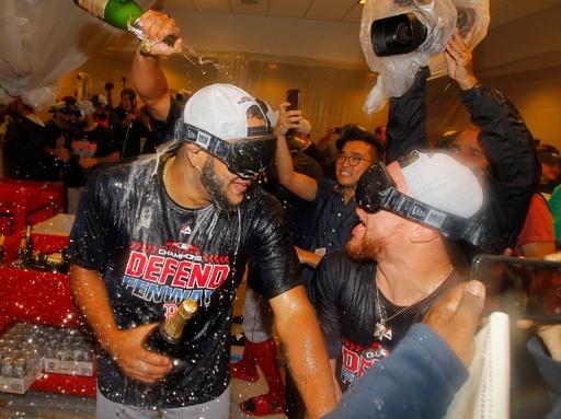 レッドソックスがア・リーグ東地区3連覇、ヤンキースとの打撃戦制す
