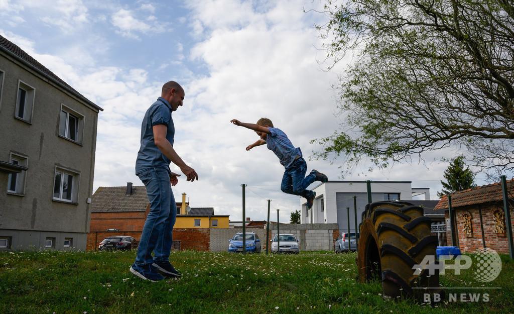 「ゴーイースト」 ベルリンの壁崩壊から30年、旧東側へ戻る若者たち