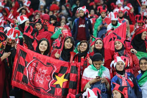 イラン、女性のサッカー生観戦を許可 10月のW杯予選