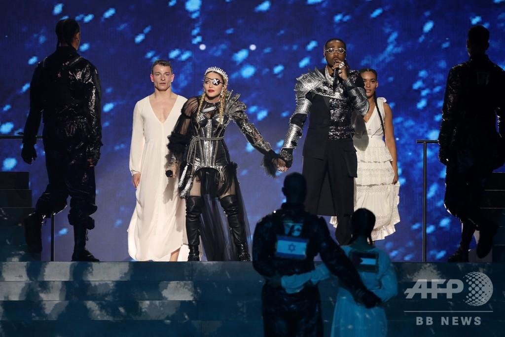 マドンナのステージにパレスチナの旗、イスラエル文化相が批判 ユーロビジョン