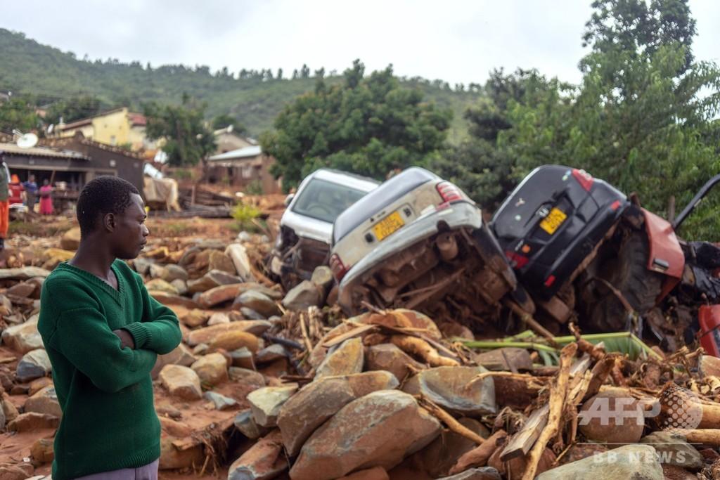 アフリカ南部襲ったサイクロンの死者、300人超える