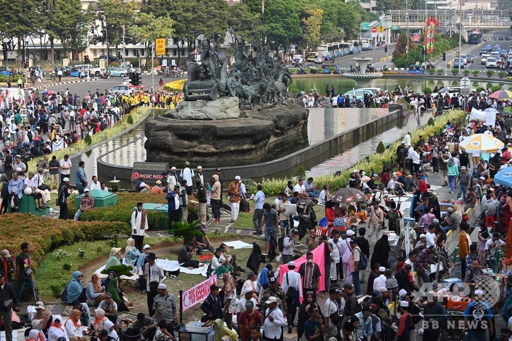 ジョコ大統領再選への異議を棄却 インドネシア憲法裁