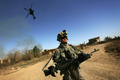 イラク、アフガンの戦闘は米軍に「過度の負担」、調査結果