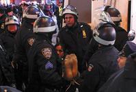 白人警官による黒人窒息死事件、全米各地で抗議デモ続く