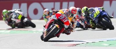 マルケスがオランダGP優勝、年間ポイントでロッシとの差広げる