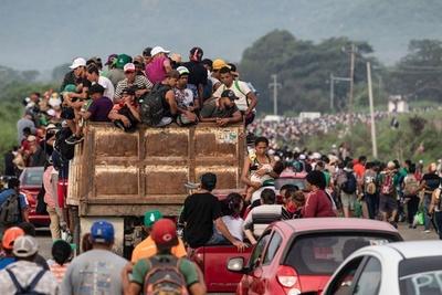 【記者コラム】ありのままに伝える──「移民集団」の写真で最高賞受賞のカメラマン