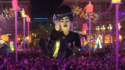 動画:仏ニースで恒例のカーニバル、マクロン大統領らの風刺人形も登場