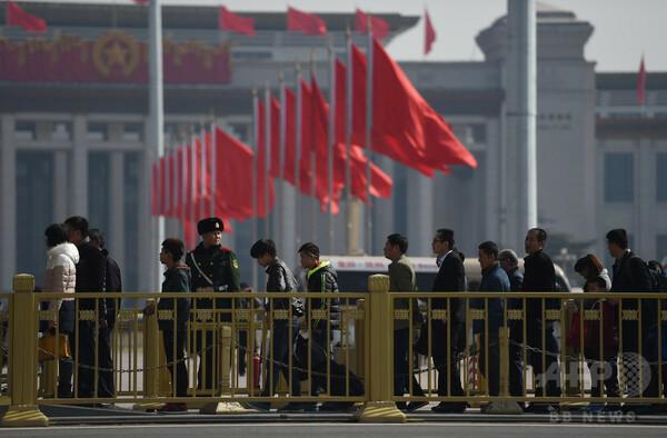 拘束の人権派弁護士が「自白」、中国国営メディア