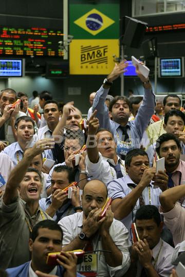 各国の株式市場、乱高下 FRBの緊急利下げも効果薄