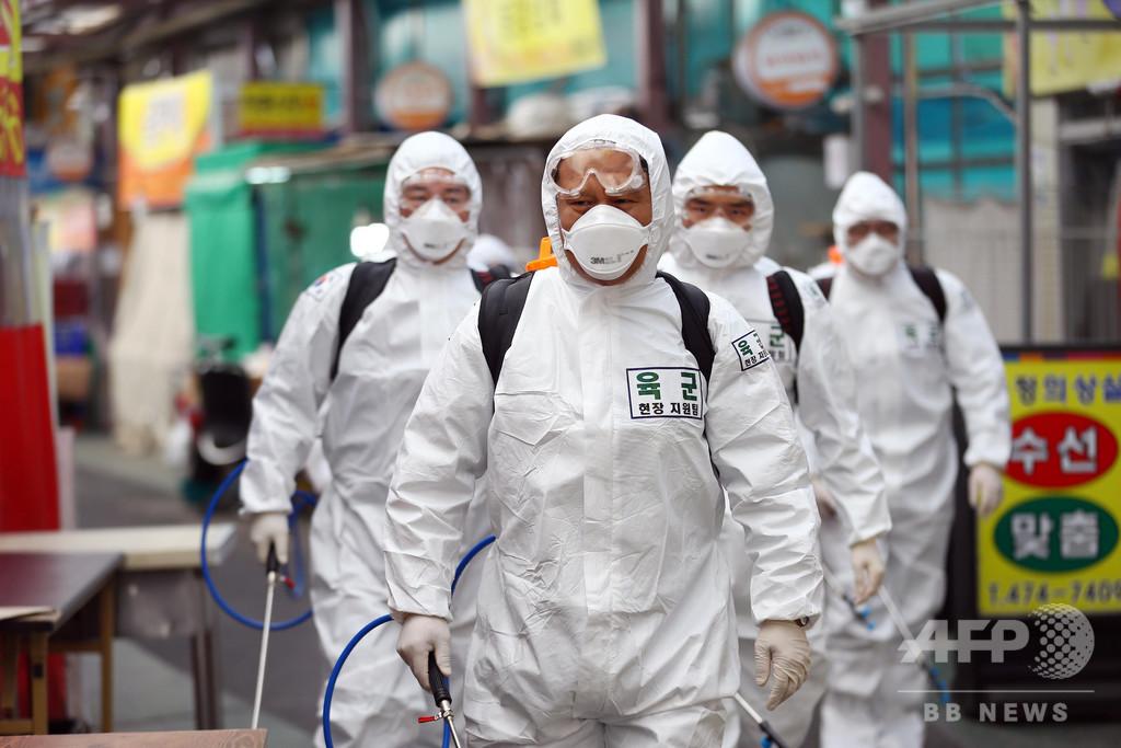 新型コロナ、世界の新規感染が中国の9倍に WHO
