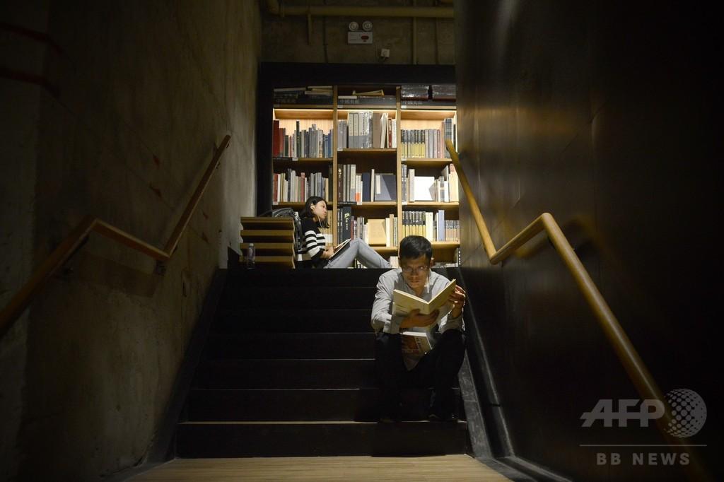 中国の犯罪小説家、22年前の殺害事件に関連し逮捕
