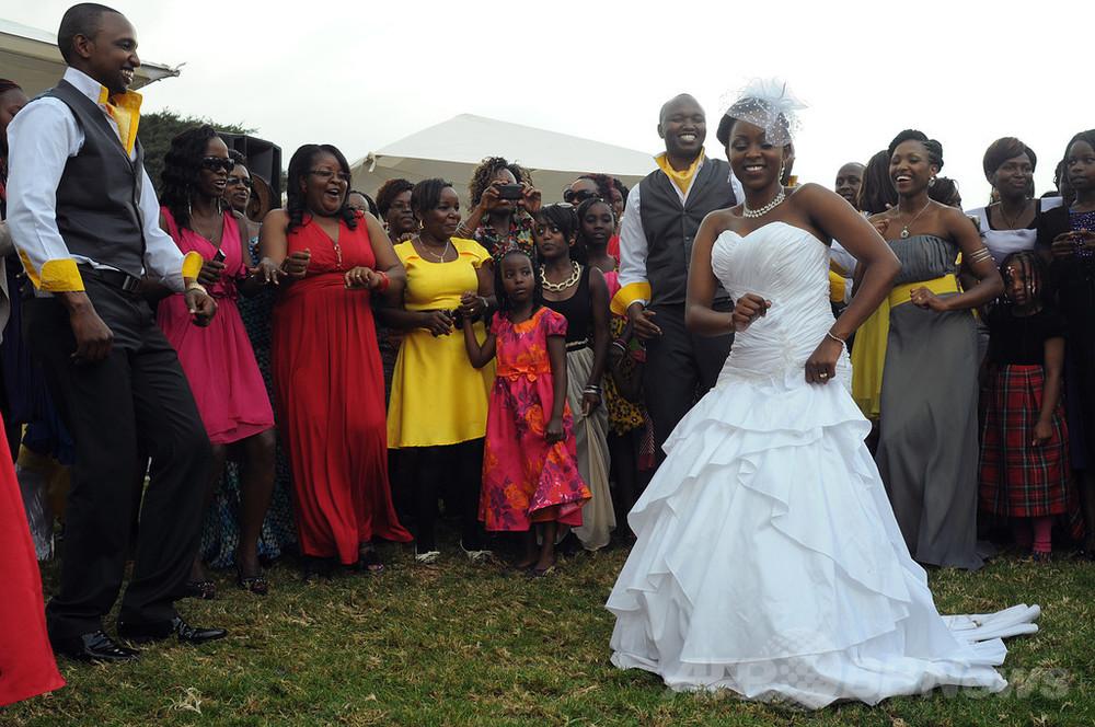 ケニアで一夫多妻制法案を可決、男性議員が妻の拒否権削除 写真1枚 ...