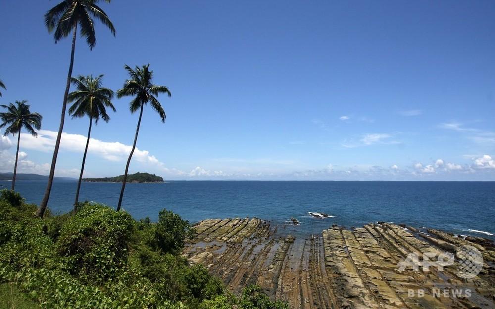 インドの孤立先住民、島に上陸した米国人観光客を弓矢で射殺 写真3枚 ...