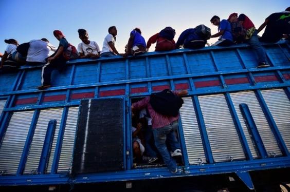 米国目指す移民、7千人超に トランプ氏、中米への援助削減表明