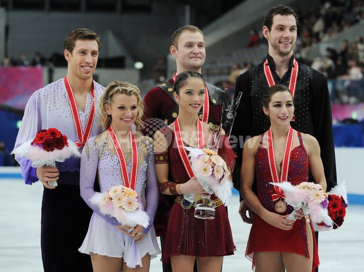 バザロワ/ラリオノフ組が優勝、NHK杯