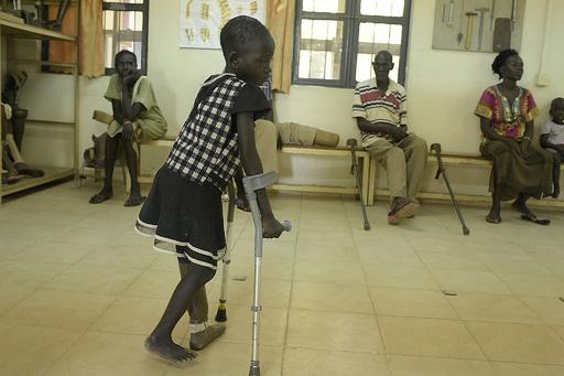 内戦で数万人が手足失い…全国から義肢求めて訪れる施設 南スーダン