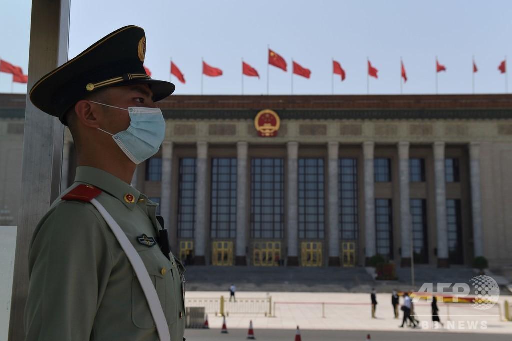 中国全人代、香港への「国家安全法」導入を採択