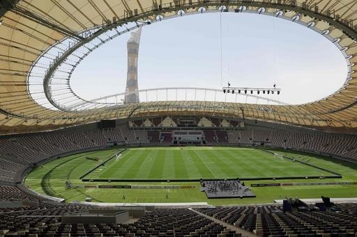 冷房完備のW杯スタジアムお披露目、カタール