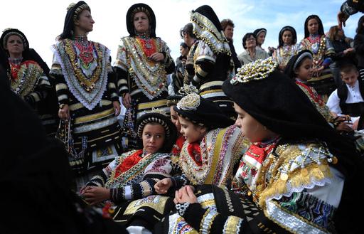 ブルガリアで少数民族の伝統祭