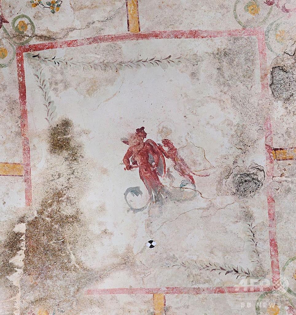 ローマ皇帝ネロの黄金宮殿、「秘密の部屋」を発見