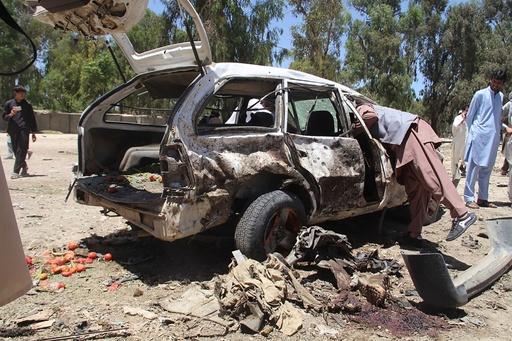 タリバンの自動車爆弾で13人死亡、CIA支援の組織狙う アフガン