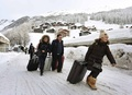 【AFP記者コラム】雪に埋もれた休暇─スイス・アルプス