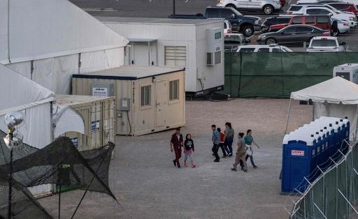 米国境警備局トップが辞任へ 子どもの劣悪な収容環境に批判