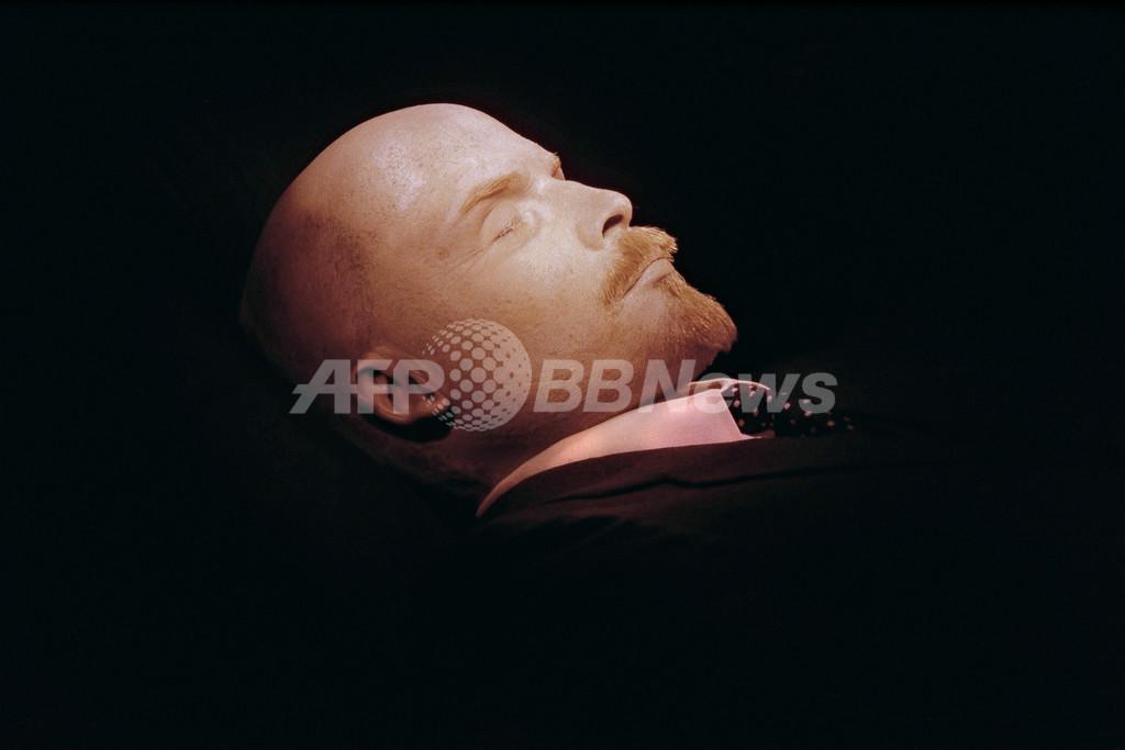 チャベス大統領の遺体、永久保存チームをロシアから?