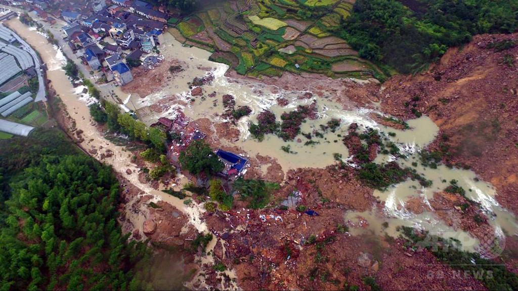 中国東部、土砂崩れで33人不明