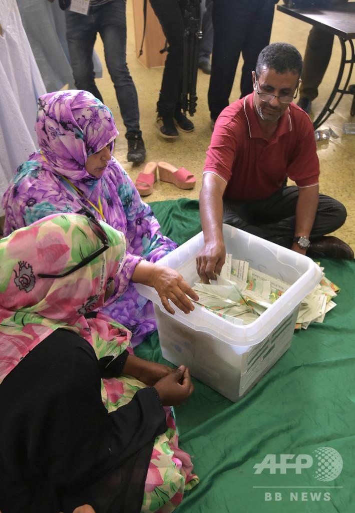 初の民主的政権移譲目指すモーリタニア大統領選、現職の元側近が勝利宣言