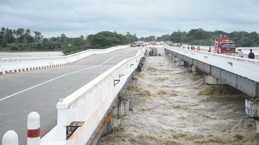 動画:豪雨によりダム決壊、100か所の村が浸水被害 ミャンマー
