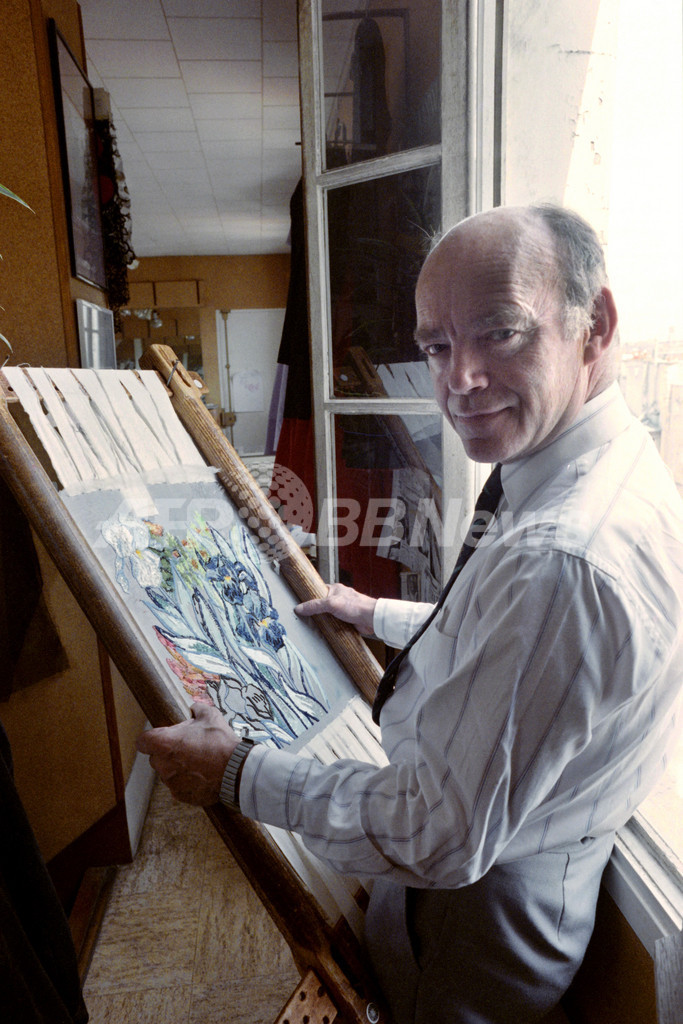 オートクチュールを支えた刺繍の巨匠、ルサージュ氏死去