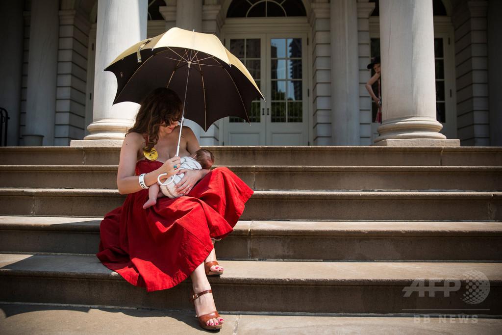 母乳で育つとIQも収入も高くなる、ブラジルの大学が研究
