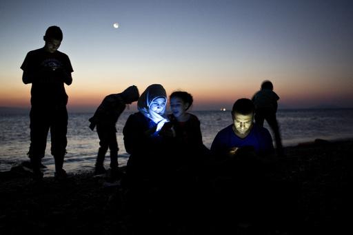 【AFP記者コラム】国境越えて進むシリア難民、生き延びる幸運