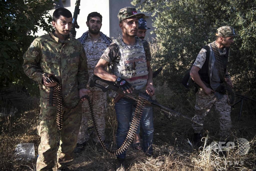 リビア首都攻防の死者が392人に 5万人が家追われる