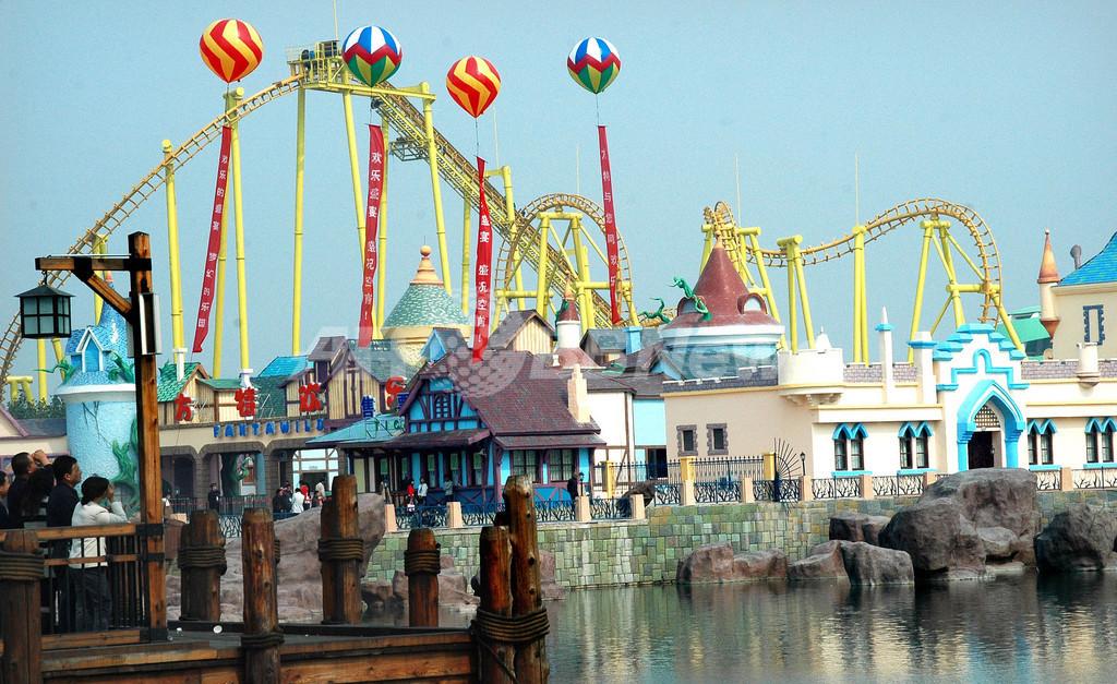 ディズニーランドそっくり、中国に新テーマパークがオープン