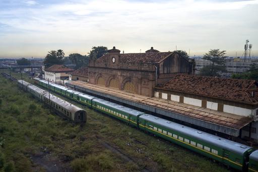 アフリカの伝説「ダカール・ニジェール鉄道」 夢と悲しみを乗せて マリ