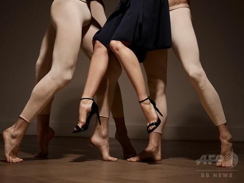 バレリーナの足をハイヒールに?!シュールな「レペット」特別モデル