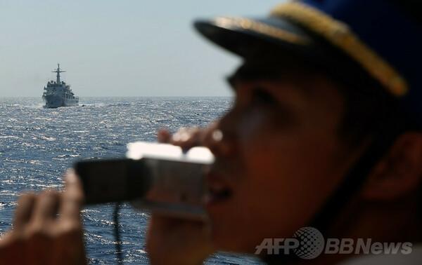 中国船、もはや遠慮なくベトナム漁船に体当たり