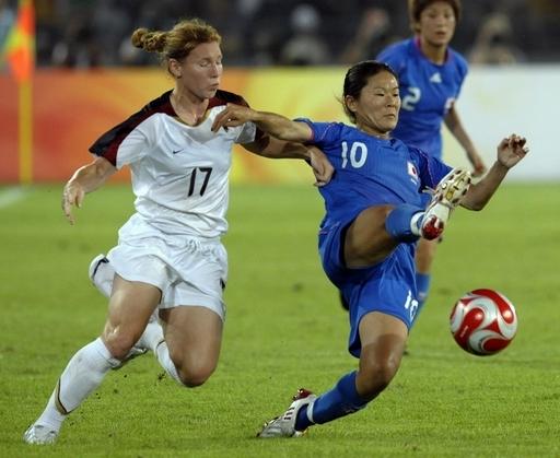 日本女子 米国に敗れ決勝進出ならず