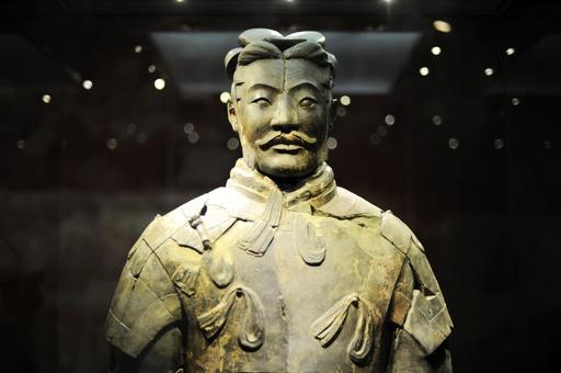 秦の始皇帝陵博物院、1号坑の兵馬俑18体の整理と組み立てを完了