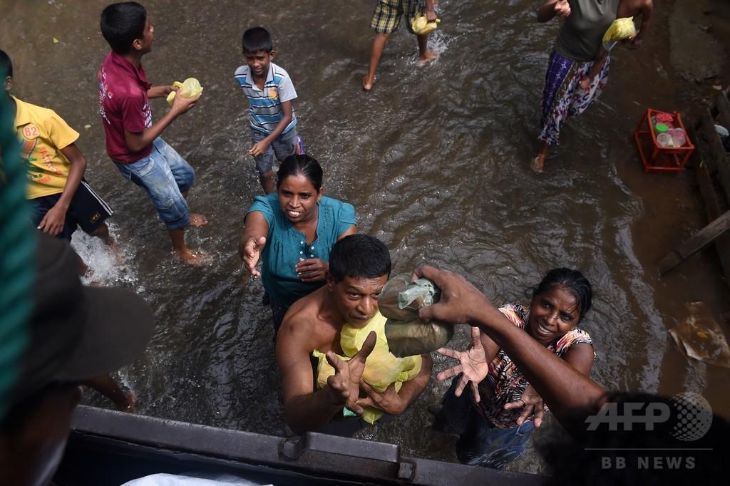 スリランカ豪雨、死者92人に 依然109人不明