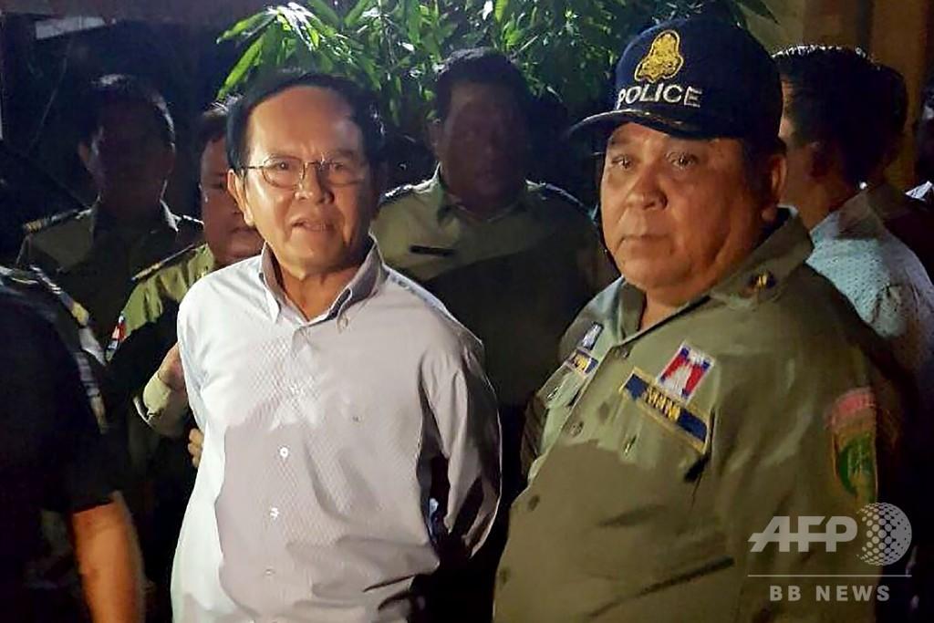 カンボジア、最大野党の党首保釈 反逆罪で昨年収監