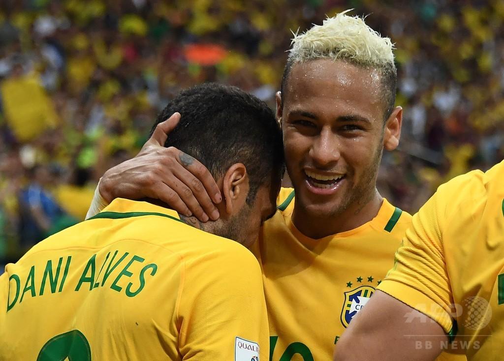ネイマールの決勝点でコロンビア撃破、ブラジルが南米予選2位に